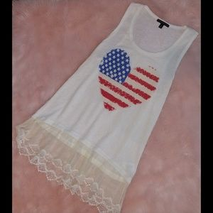 Signature Studio Americana heart flag lace tunic
